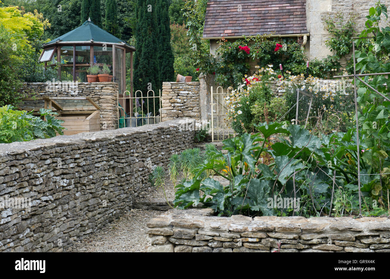 Cotswold kitchen garden. Cotsowlds, England - Stock Image