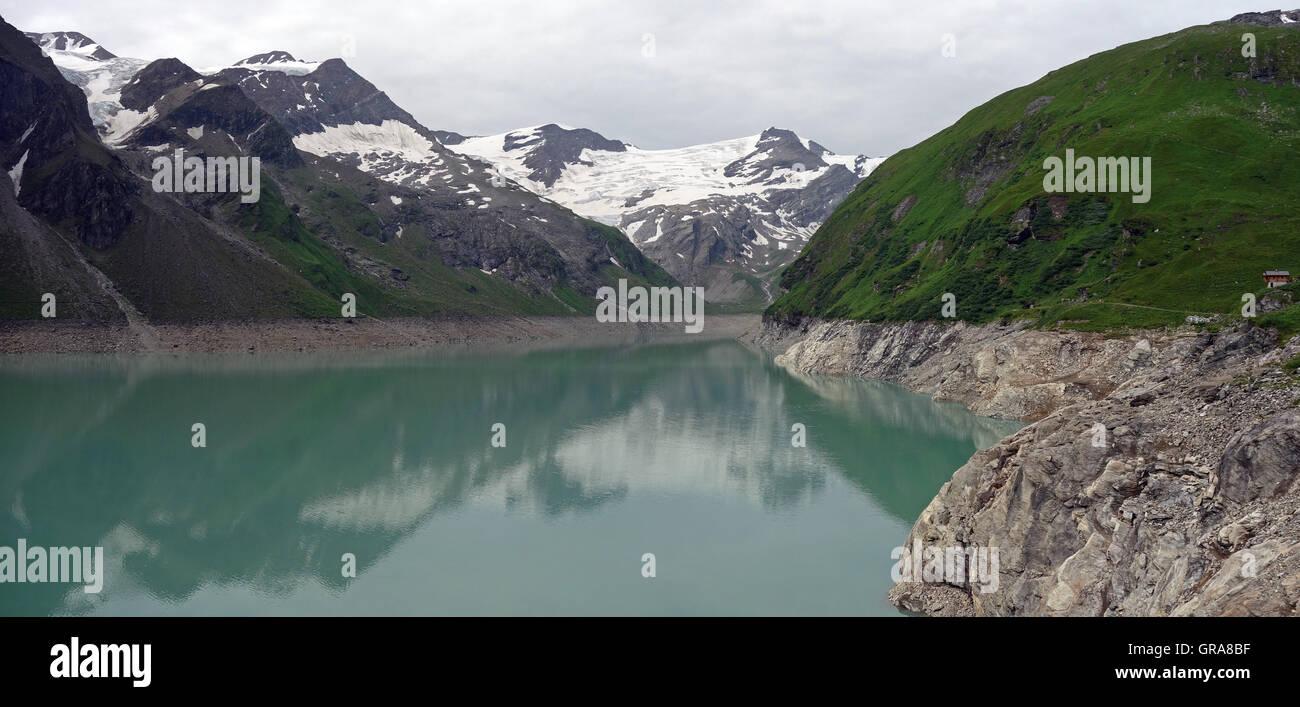 Kaprun Dam, Mooserboden lake Stock Photo