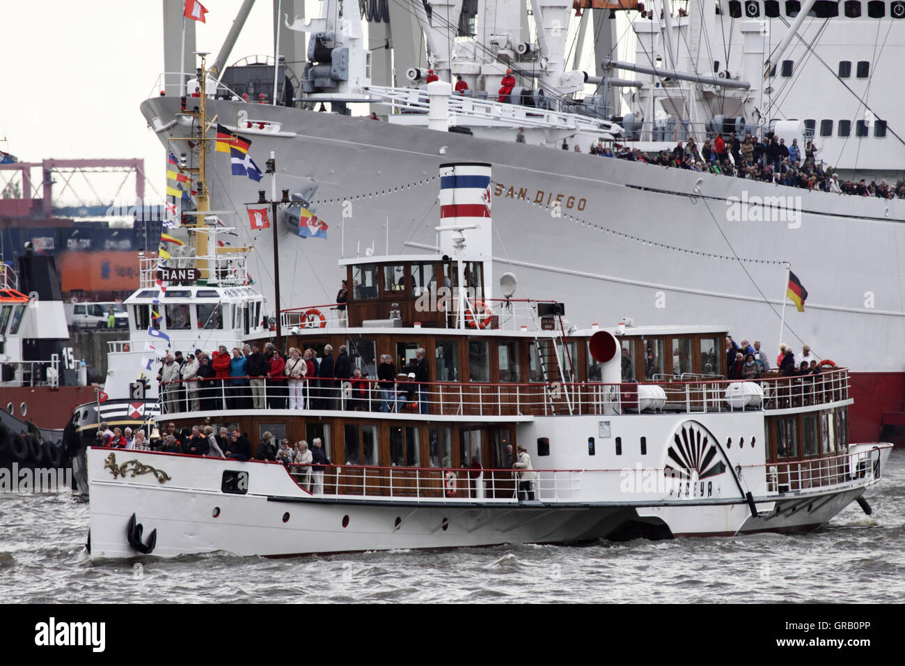 Hamburg Harbours Birthday, The Cap San Diego And Steamboat Freya - Stock Image