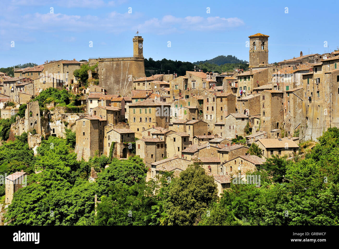 Sorano, Town Of The Middle Ages, Province Grosseto In Tuscany, Buildings Of Tuff Stone, Tuscany, Italy - Stock Image