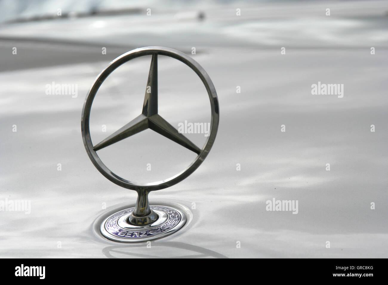 Logotype Mercedes Star - Stock Image