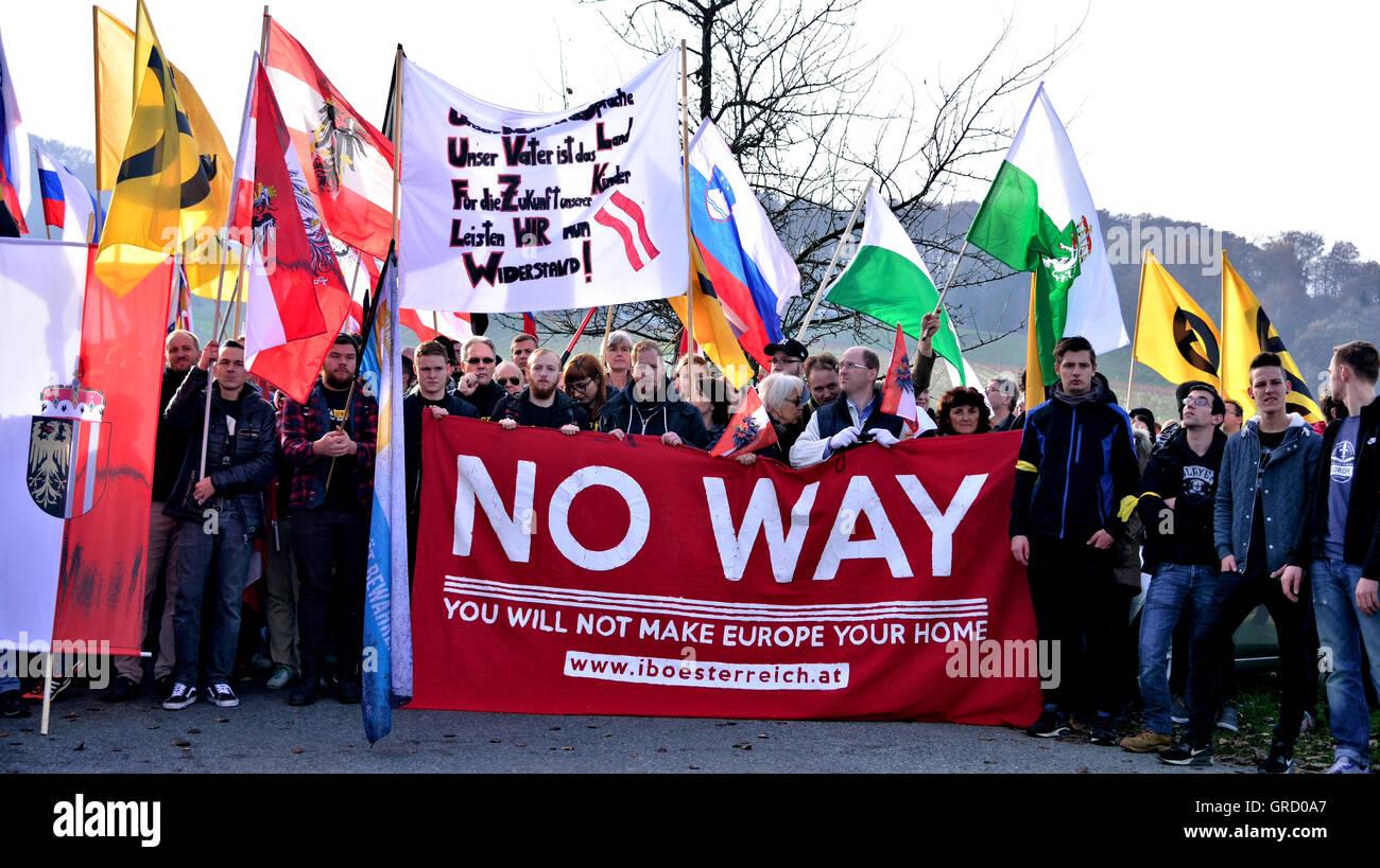 Spielfeld, Austria 17. November 2015 Demonstration Gegen Die Aufnahme Von Weiteren Migranten In Österreich Stock Photo