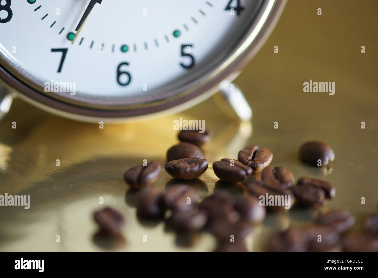 Alarm Clocl Is Ringing At Seven O Clock, Get Up - Stock Image