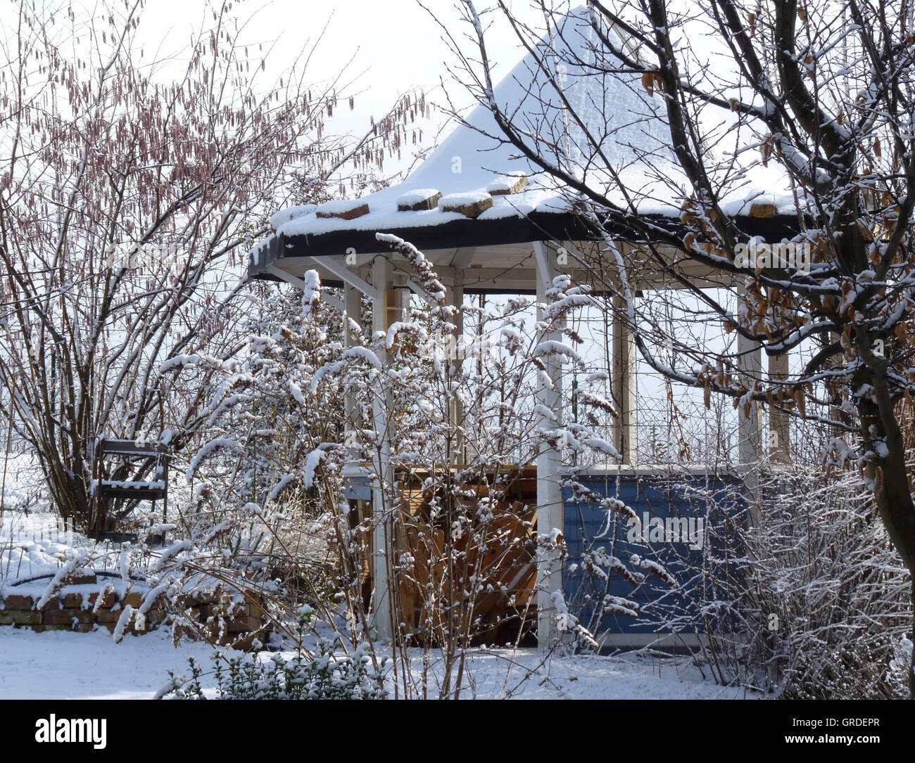 Wintry Garden Idyll With Pavilion - Stock Image