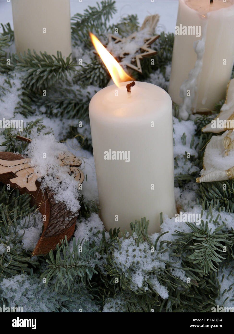 Advent Dekoration Outdoor, Wreath With Burning Candle - Stock Image