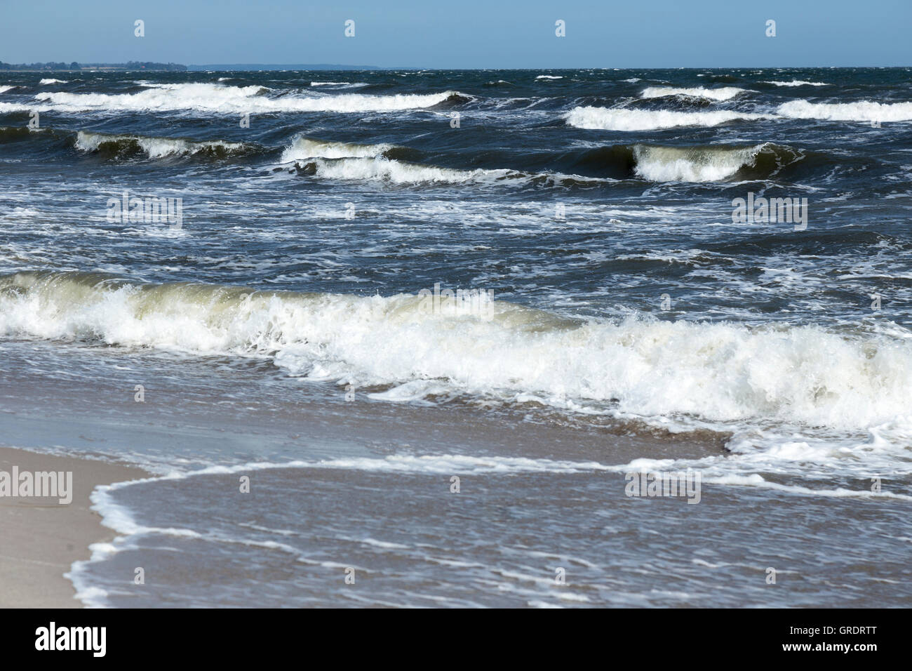 High Waves Of The Baltic Sea On The Beach Of Marielyst - Stock Image