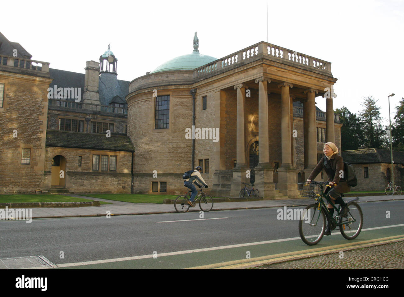 Rhodes House in Oxford, England, home of the Rhodes Scholarship for Americans to study in Oxford, among them Bill - Stock Image
