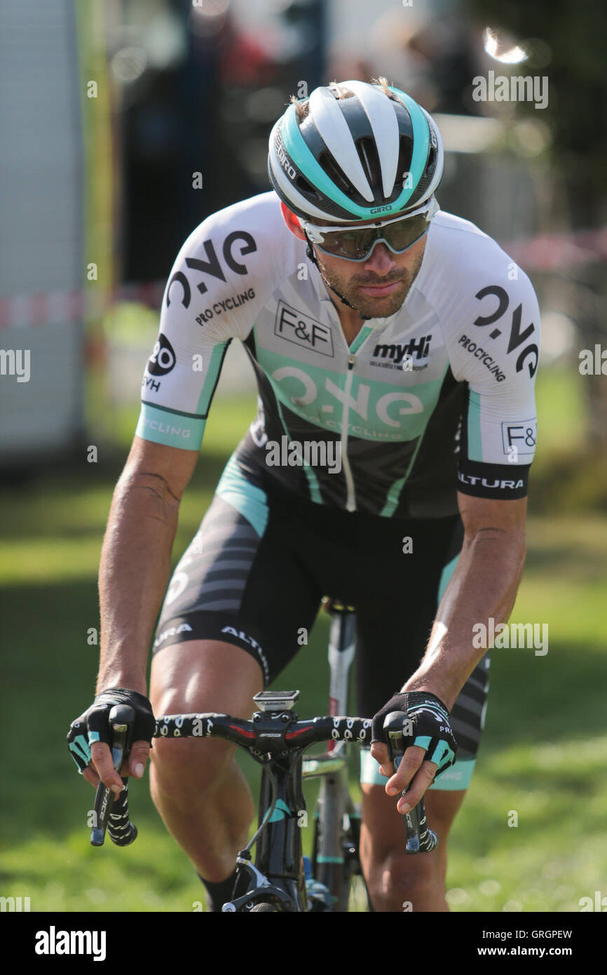 Builth Wells, Wales, UK. 7th September, 2016. Mark Cavendish pictured after the finish of the Stage 4 leg of the - Stock Image