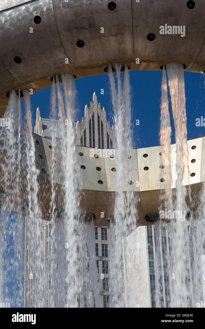 Detroit, Michigan - The Dodge Fountain in Hart Plaza with the One Detroit Center office building in the background. - Stock Image