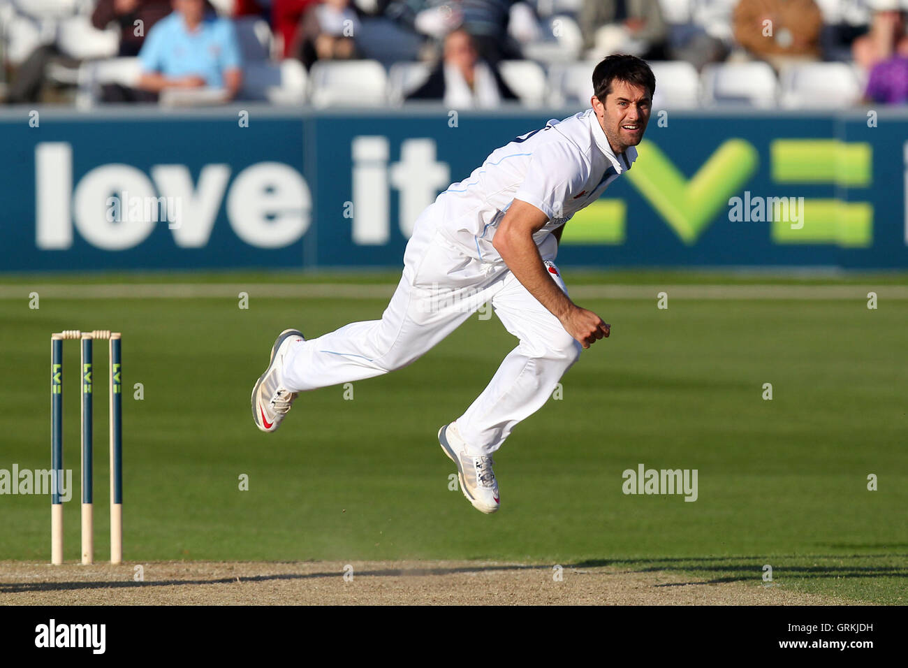 Tim Groenewald of Derbyshire in bowling action - Essex CCC vs Derbyshire CCC - LV County Championship Division Two - Stock Image