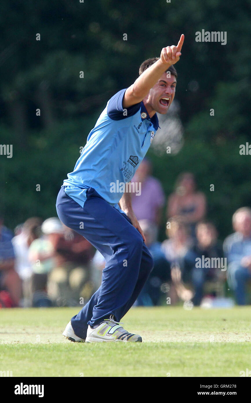 Tim Groenewald of Derbyshire claims the wicket of Owais Shah - Derbyshire Falcons vs Essex Eagles - Yorkshire Bank - Stock Image