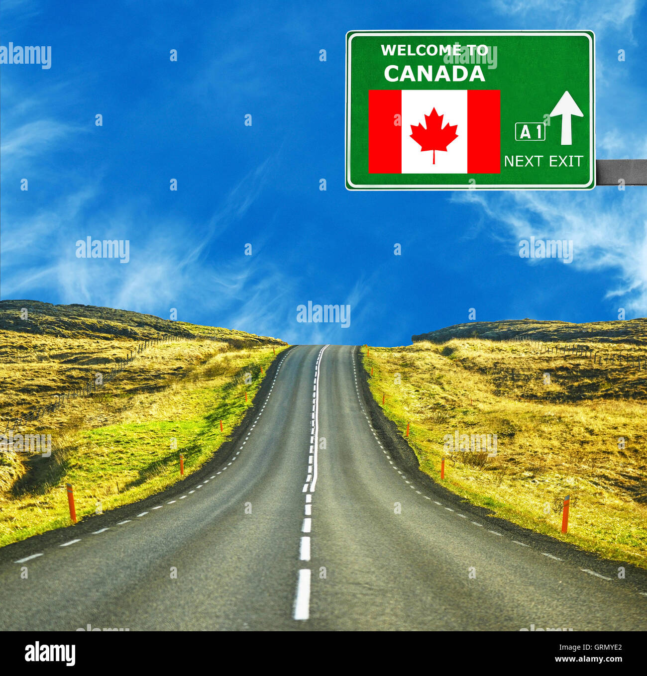 08b1a28a74e9a Canada road sign against clear blue sky Stock Photo: 117859898 - Alamy