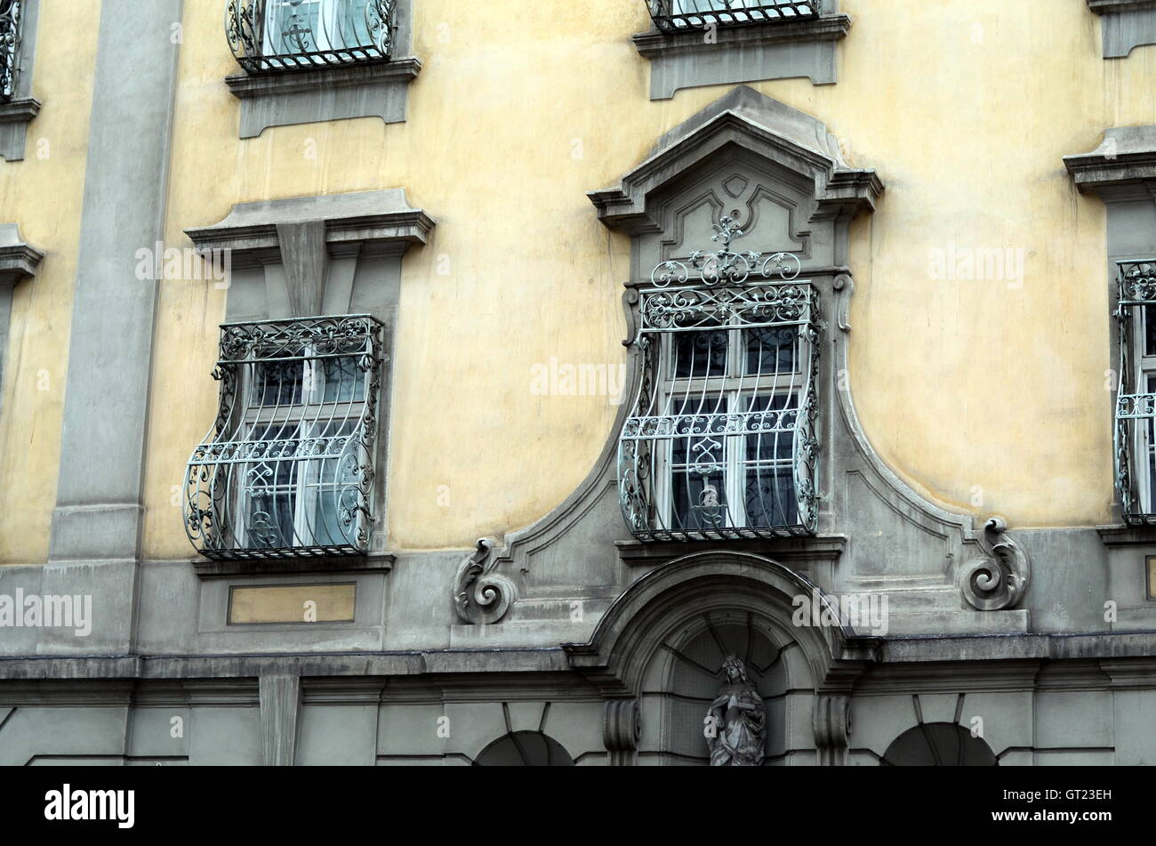 old facade of houses in the city of vienna - Stock Image