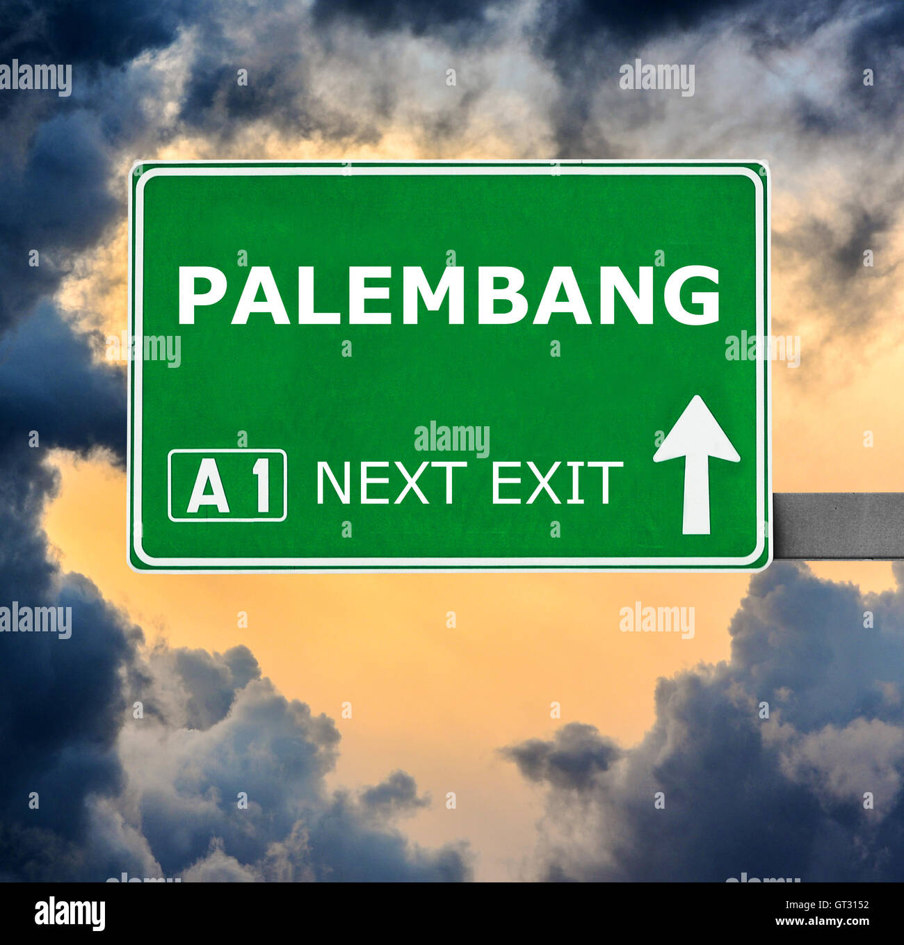 PALEMBANG road sign against clear blue sky - Stock Image