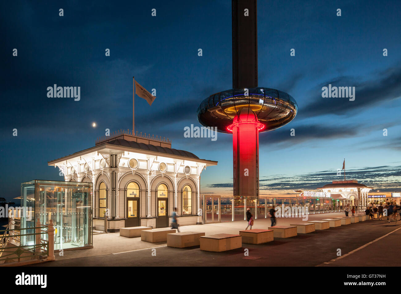 Evening i360 viewing platform in Brighton, East Sussex, England. - Stock Image