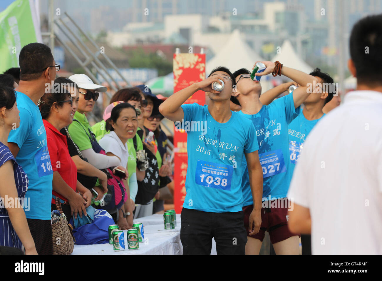 Qingdao, Qingdao, China. 9th Sep, 2016. Qingdao, CHINA-?September 4 2016:?(EDITORIAL?USE?ONLY.?CHINA?OUT) .Runners - Stock Image