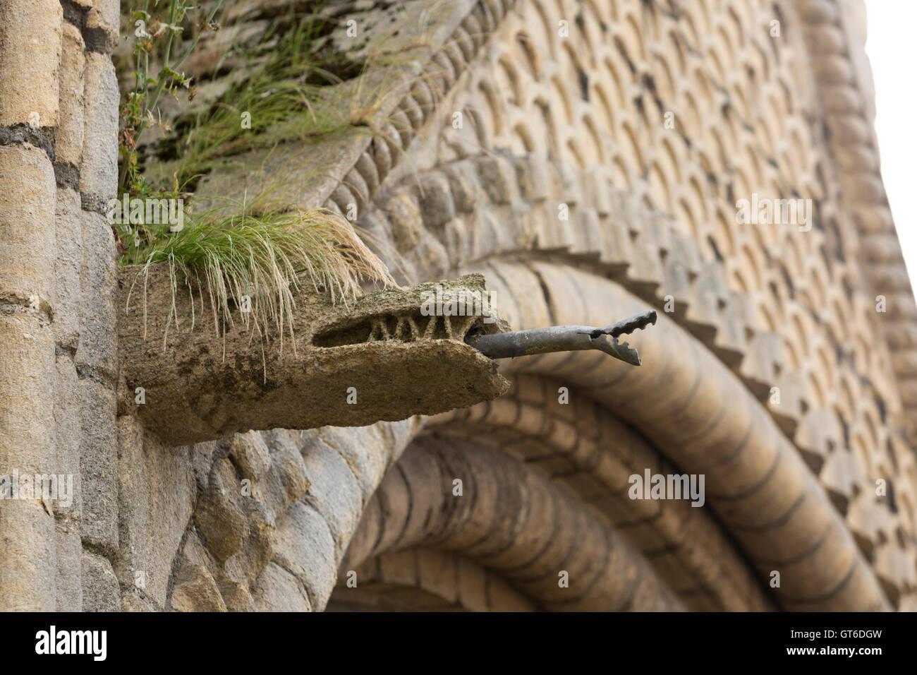 Stone Dragon Stock Photos & Stone Dragon Stock Images - Alamy