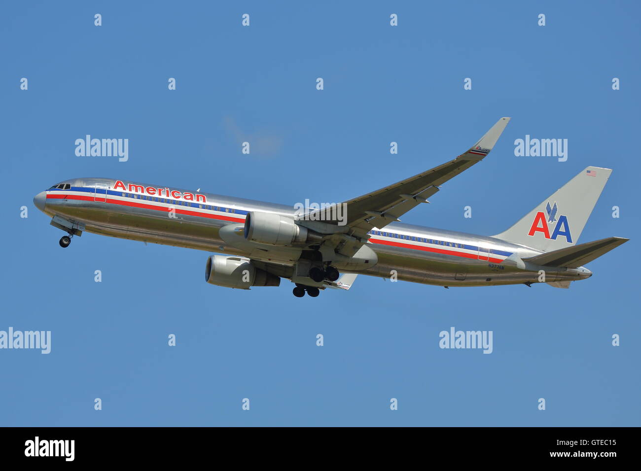 American Airlines Boeing 767-300ER N377AN taking off at