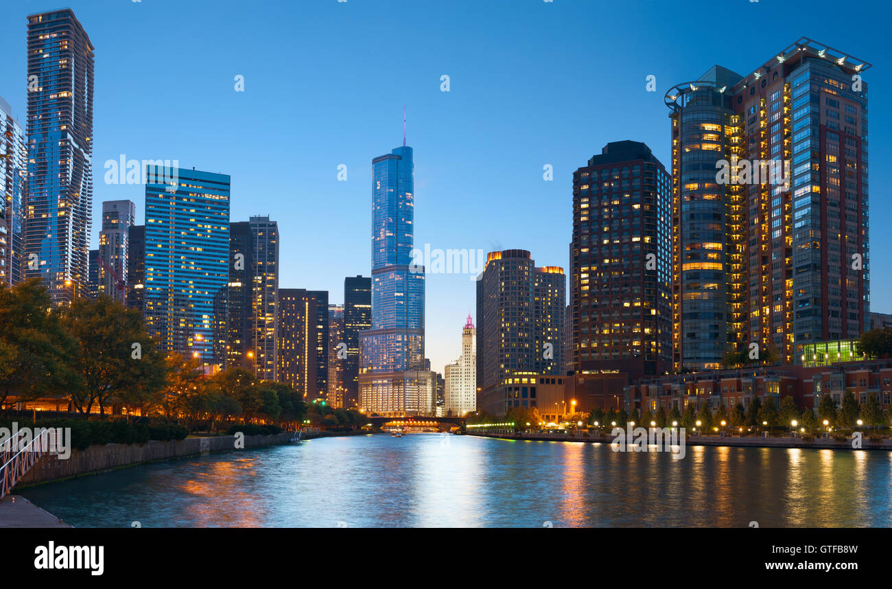 Chicago riverside. Image of Chicago downtown district at twilight. - Stock Image