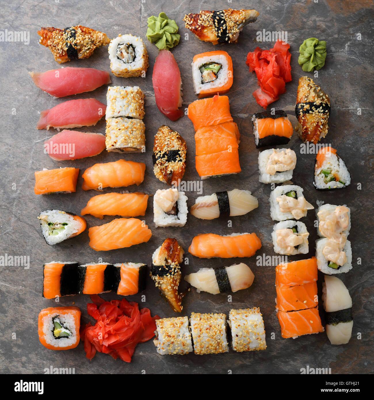 Sushi and nigirin set pattern, food - Stock Image
