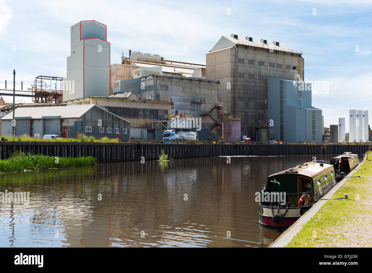 Barges waiting their turn turn to use Anderton Boat Lift.  River Weaver Navigation. Cheshire England UK Stock Photo