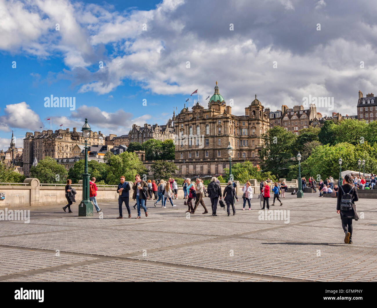 The Mound and the Old Town, Edinburgh, Scotland, UK - Stock Image