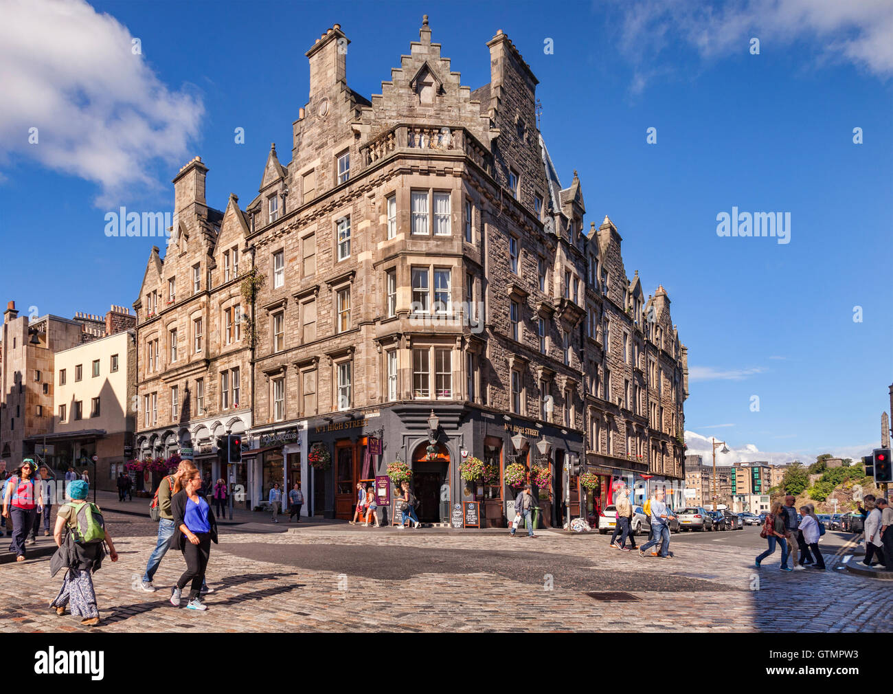 Pub in the Royal Mile, No. 1 High Street, on the corner of High Street and Jeffrey Street, Edinburgh, Scotland, - Stock Image