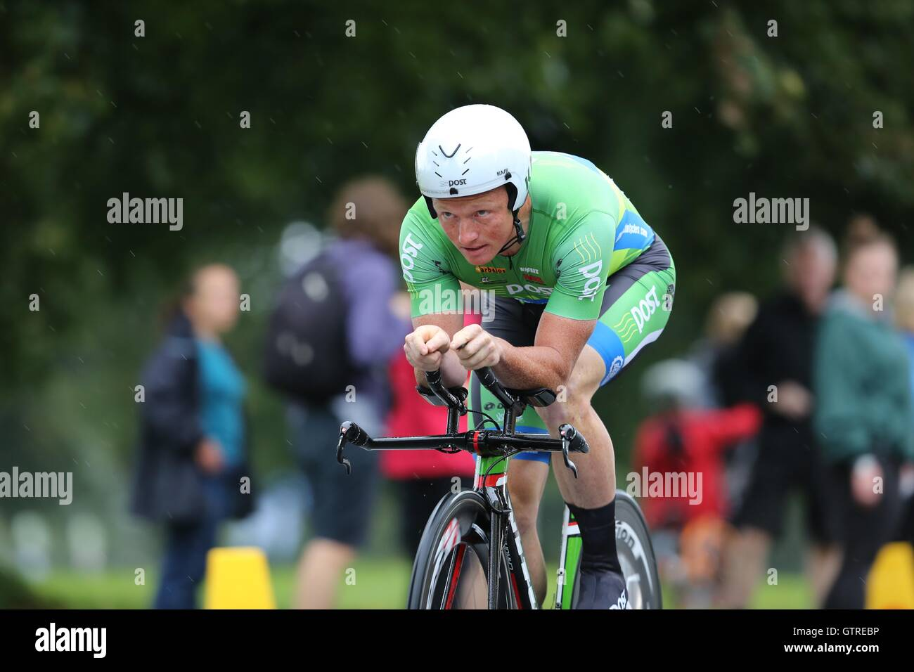 Bristol, UK.  10th September 2016. Tour of Britain stage 7a, time trial.  Damian Shaw  Credit:  Neville Styles/Alamy - Stock Image