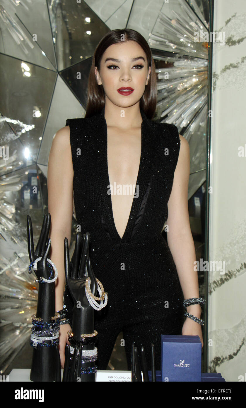 7c4e9538 NEW YORK, NY-September 09: Hailee Steinfeld host Turn Up The Style  Swarovski Launch at Swarovski's 30 Rockfeller Center in New York. NY  September 09, 2016.