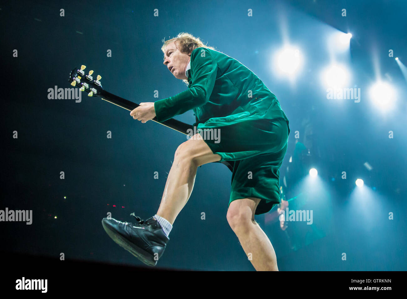 Acdc Angus Young Stock Photos & Acdc Angus Young Stock Images - Alamy