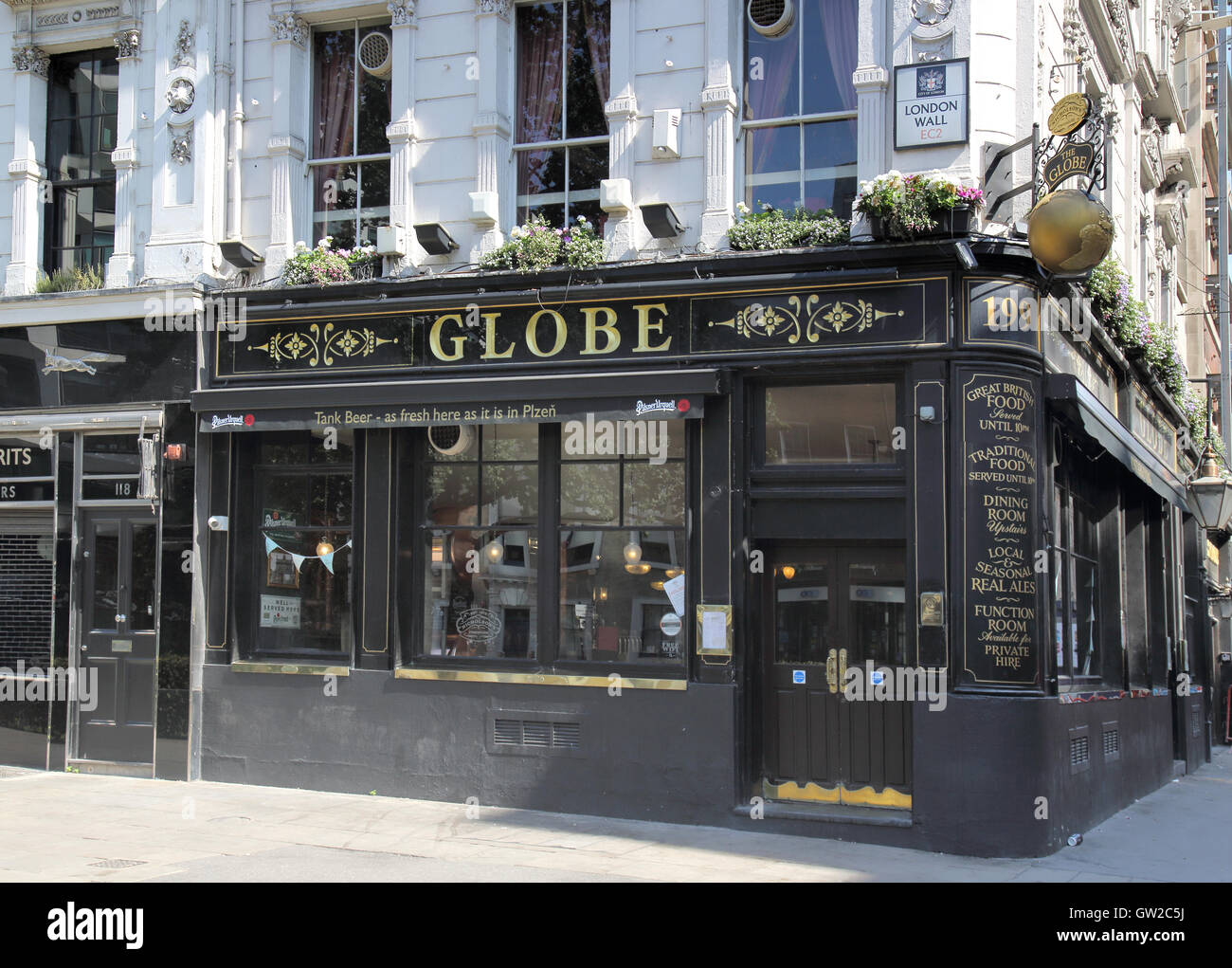 the globe pub at london wall - Stock Image