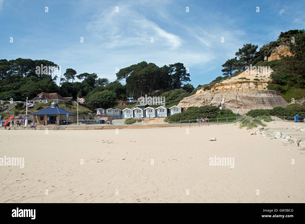 The sandy beach and cliffs at Branksome Chine, Poole in Dorset Stock Photo