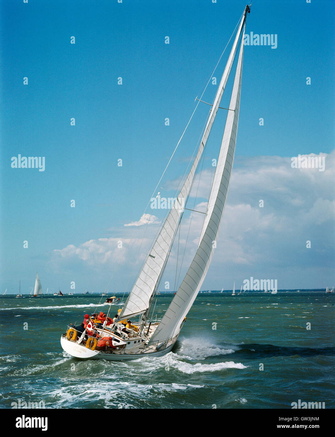 AJAXNETPHOTO. 1971. SOLENT, ENGLAND. - ADMIRAL'S CUP - AMERICAN TEAM ENTRY YANKEE GIRL AT THE START OF THE FASTNET Stock Photo