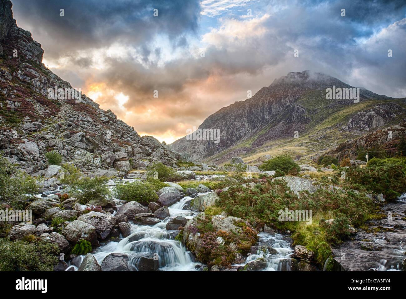Mountain and fall near LLyn Ogwen lake in Wales - Stock Image