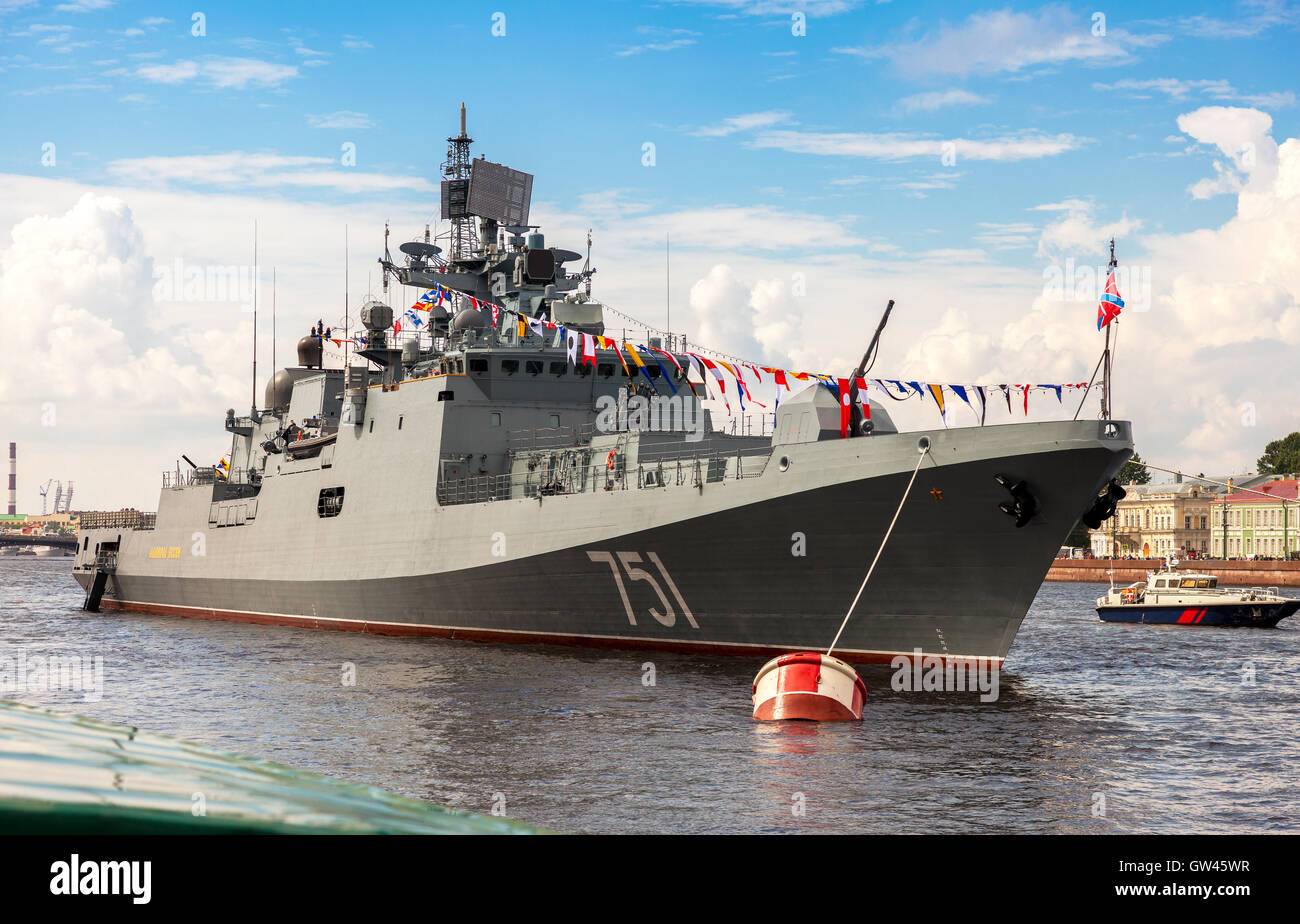 Patrol ship 'Admiral Essen' on the Neva river for Navy day celebration on July 31, 2016 - Stock Image