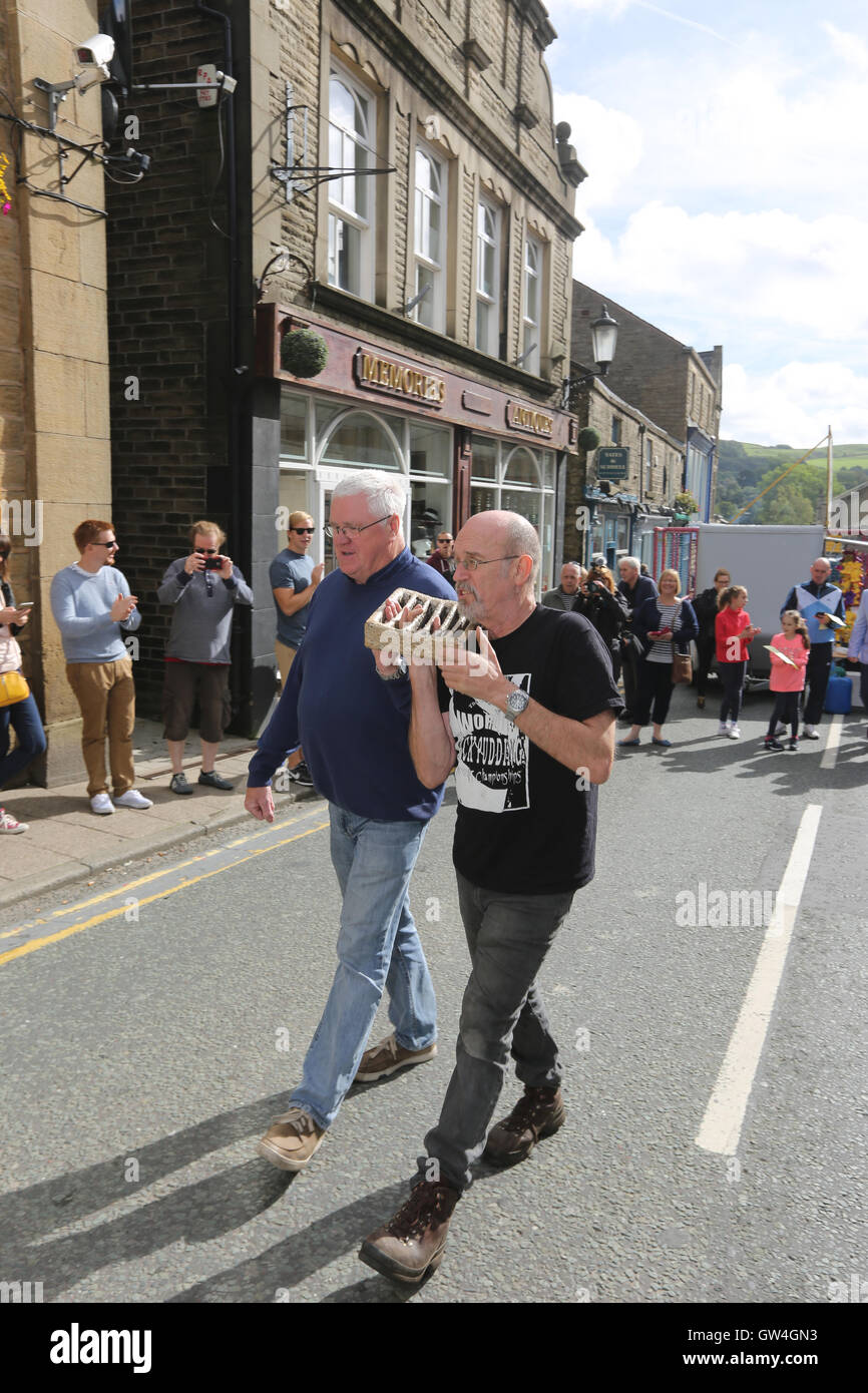 Ramsbottom, UK. 11th September, 2016. The grid used for competitors to stand on in the World Black Pudding lobbing - Stock Image