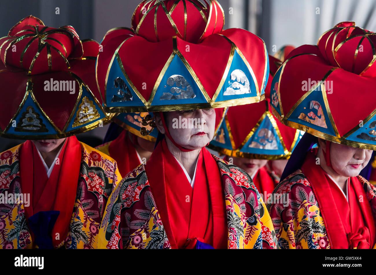Japanese dancers, Okinawa folklore. - Stock Image