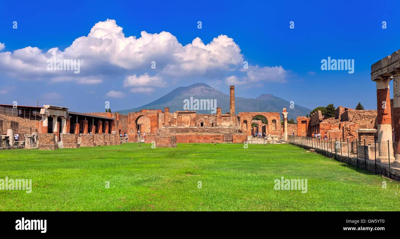 Panoramic view of Pompeii excavation site and Mount Vesuvius, Naples, Italy - Stock Image
