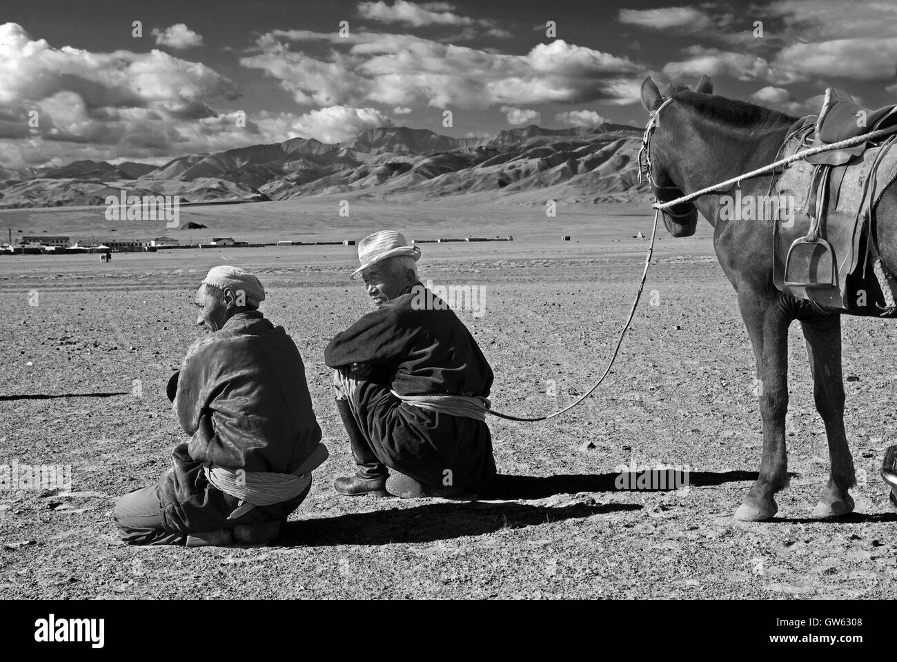 Annual Festival Black And White Stock Photos Images Alamy Kc 6308 Wiring Harness Two Men Wating The Starting Of Race Horses In Their Village Altai Mountain Area