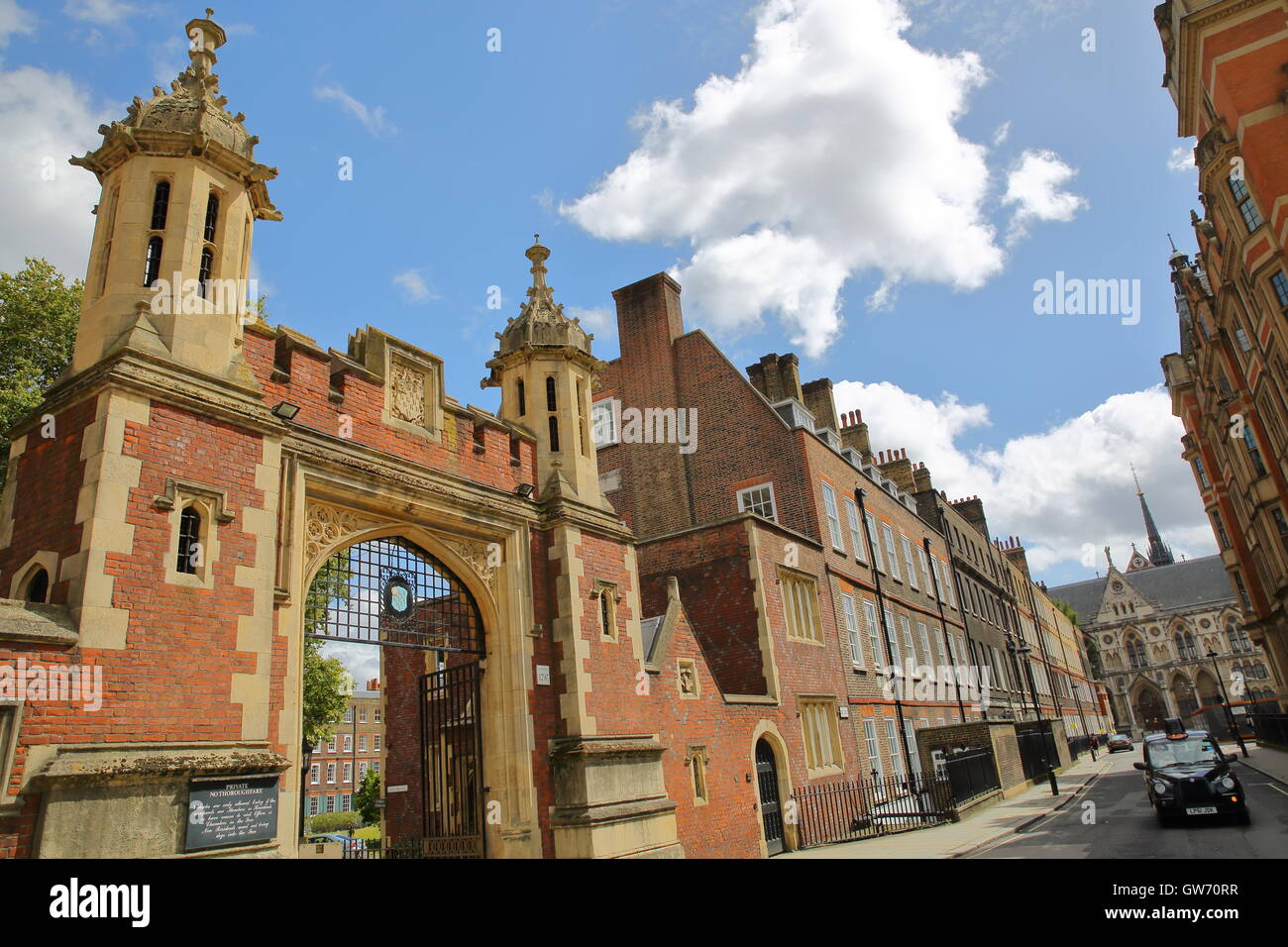 Lincoln's Inn : view of an entrance from Lincoln's Inn fields, London, Great Britain - Stock Image