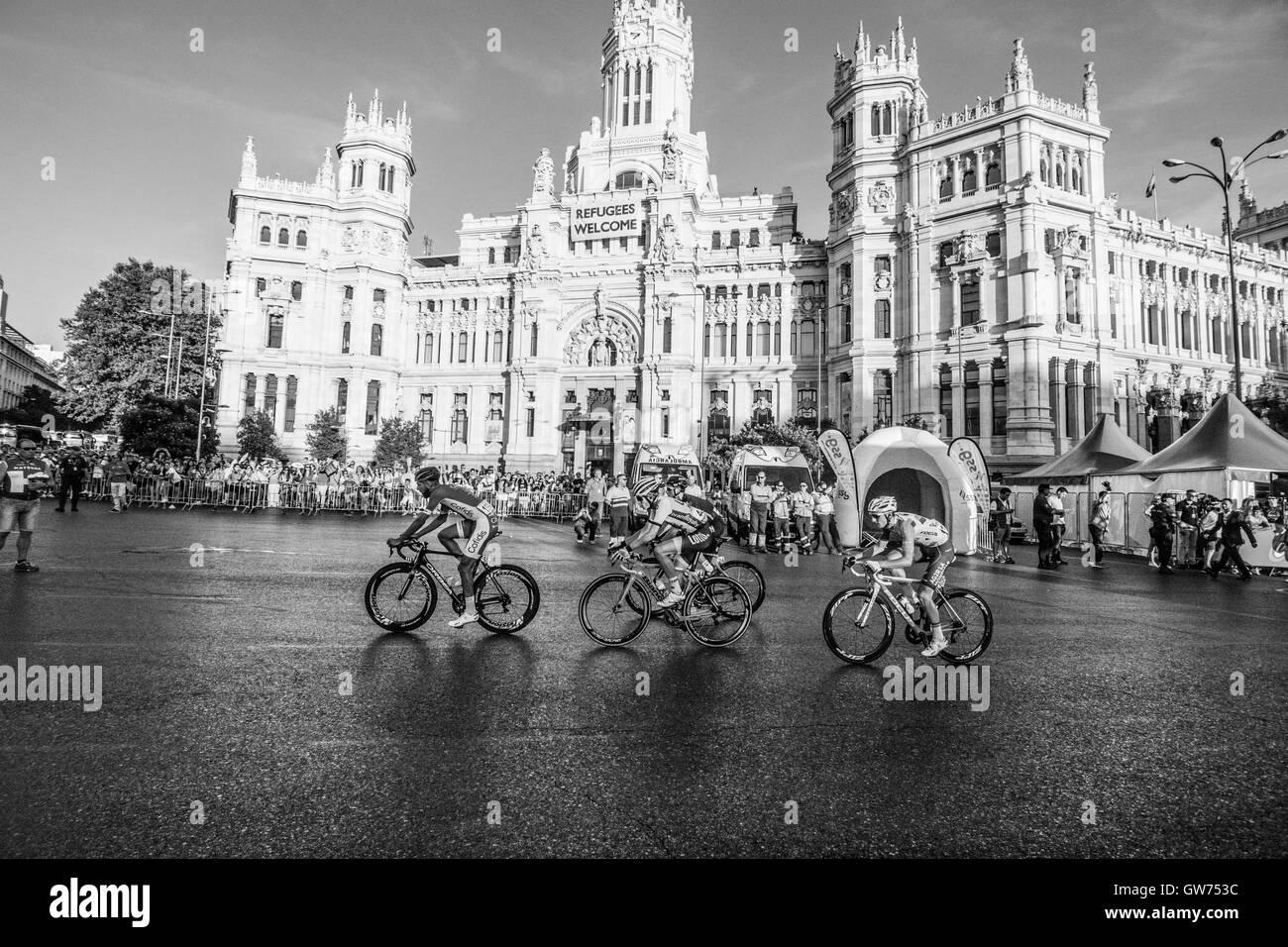 Madrid, Spain. 11th September, 2016. Loic Chetout (Cofidis), Peter Kennaugh (Team Sky), Koen Bownen (Lotto NL - - Stock Image