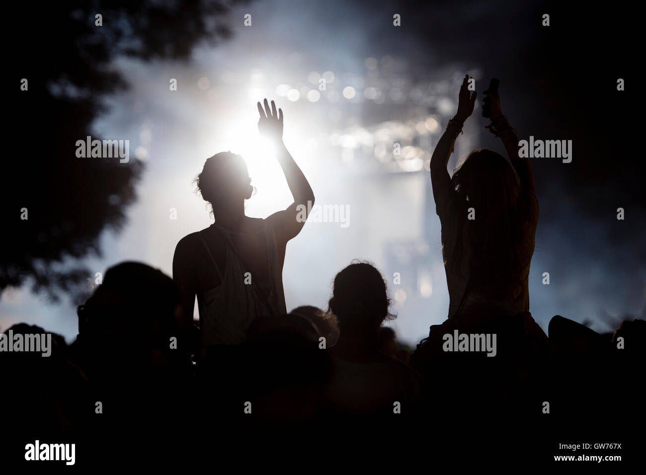 Berlin, Germany. 11th Sep, 2016. Visitors watch a concert at the Lollapalooza Festival in Berlin, Germany, 11 September - Stock Image