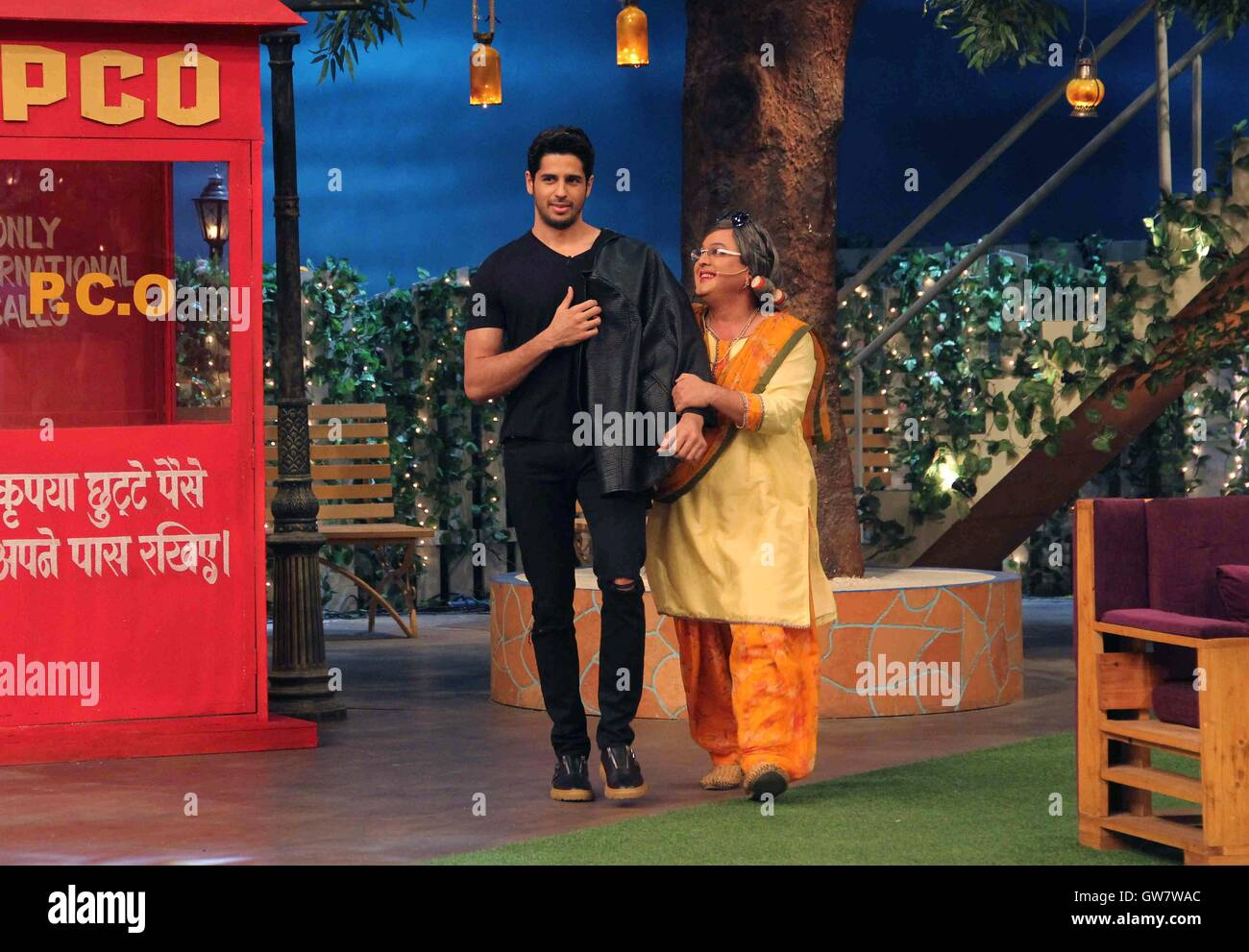 Bollywood actor Sidharth Malhotra comedian Ali Asgar promotion film