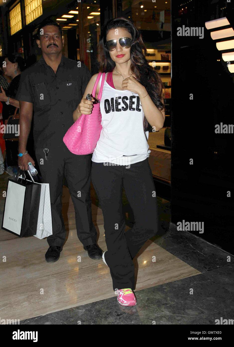 Ameesha Patel 2016 bollywood actor ameesha patel spotted at palladium mall, in