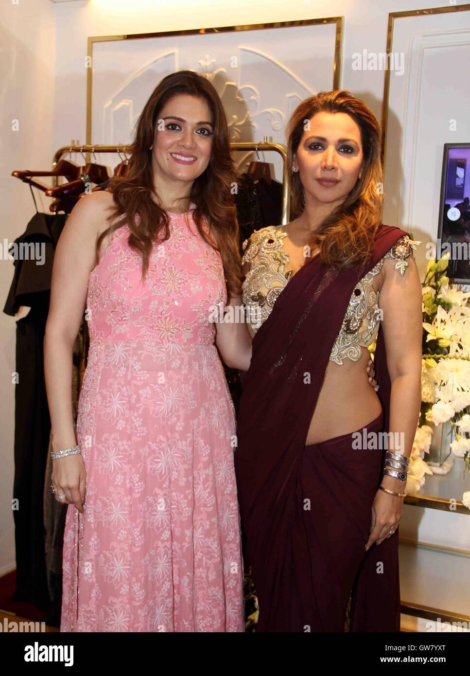 Fashion Designer Rebecca Dewan With Bollywood Actor Ritu Shivpuri Stock Photo Alamy