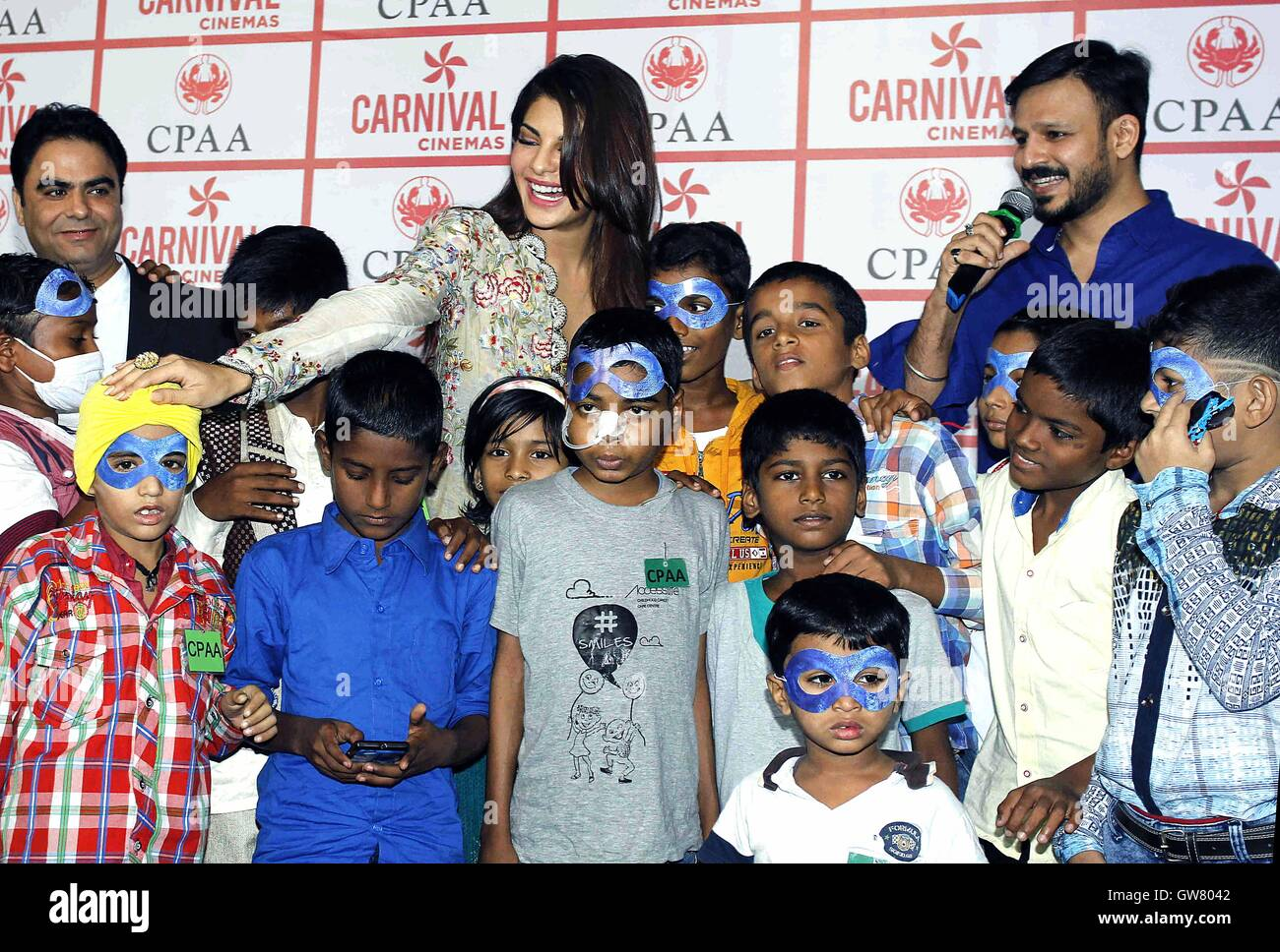 Bollywood actor Vivek Oberoi celebrates birthday Jacqueline Fernandez cancer affected kids CPAA Mumbai - Stock Image