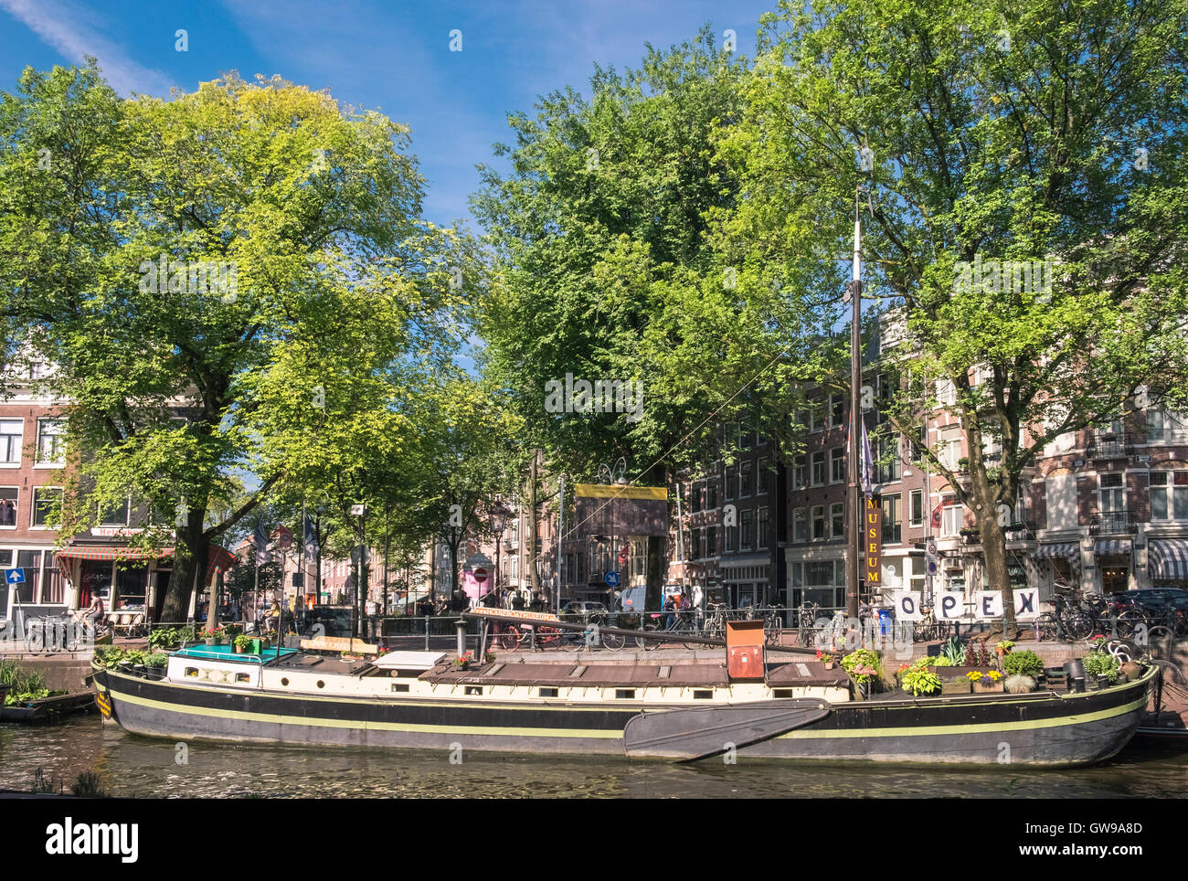The Houseboat Museum, located on Prinsengracht canal, Jordaan district, Amsterdam, Netherlands - Stock Image
