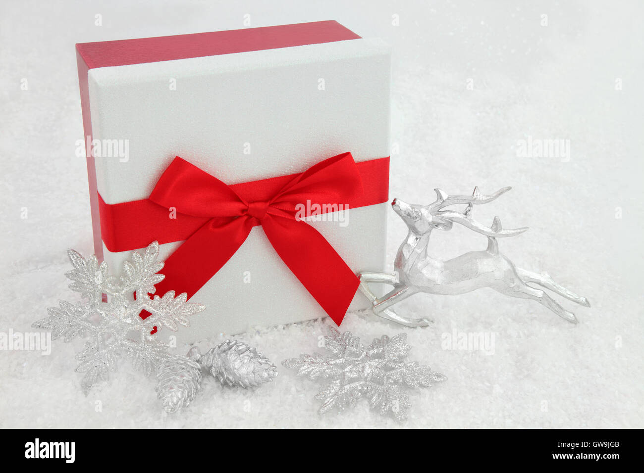 9755fa61c086c Christmas gift box with red bow