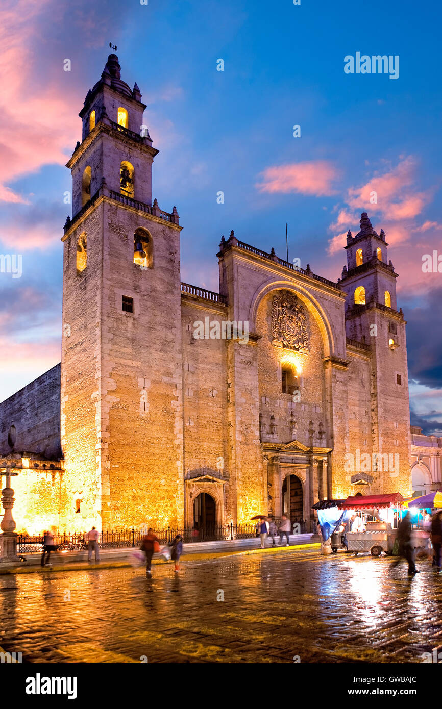 The cathedral of Merida at dusk, Mexico - Stock Image