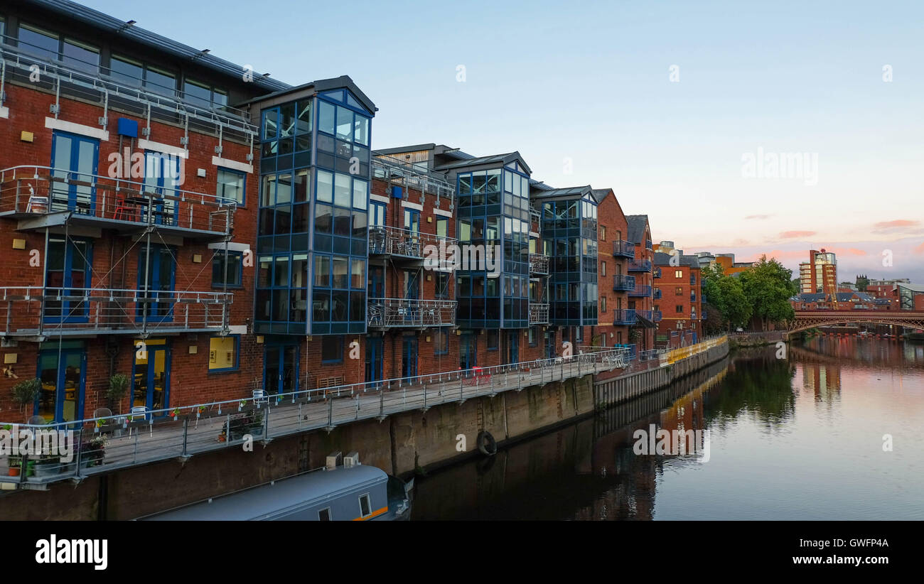 Residential block at Brewery Wharf at dusk, Leeds - Stock Image
